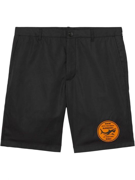 Burberry Chino-Shorts mit Hai-Print - Schwarz