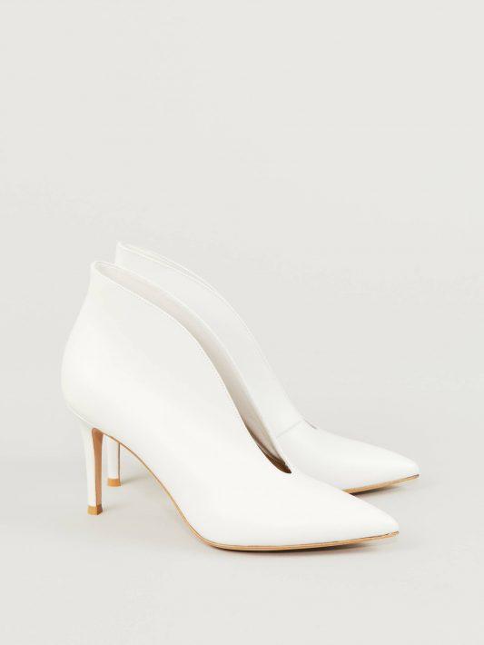 Gianvito Rossi - Weit ausgeschnittene Stiefelette 'Vania' Weiß