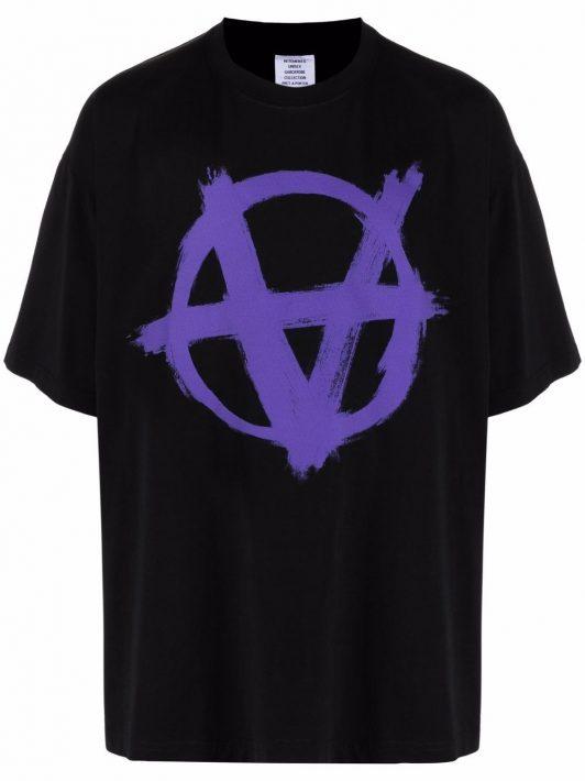 VETEMENTS T-Shirt mit grafischem Print - Schwarz